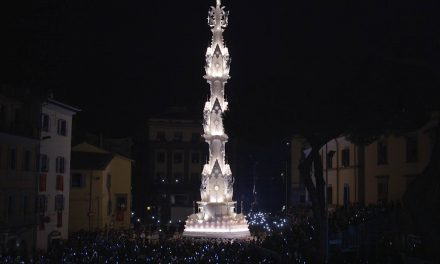 The procession of the Macchina di Santa Rosa